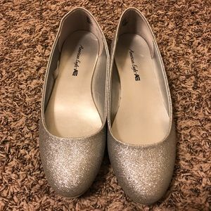 Sparkly silver American Eagle flats